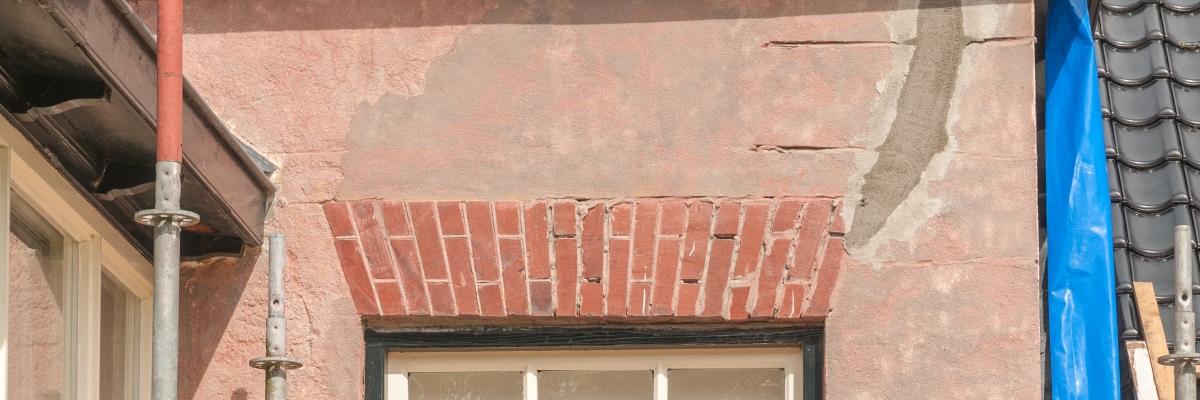 herstel-aardbevingsschade-winkel-stukadoor (2)